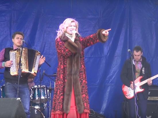 Певица Вика Цыганова планирует баллотироваться в Госдуму