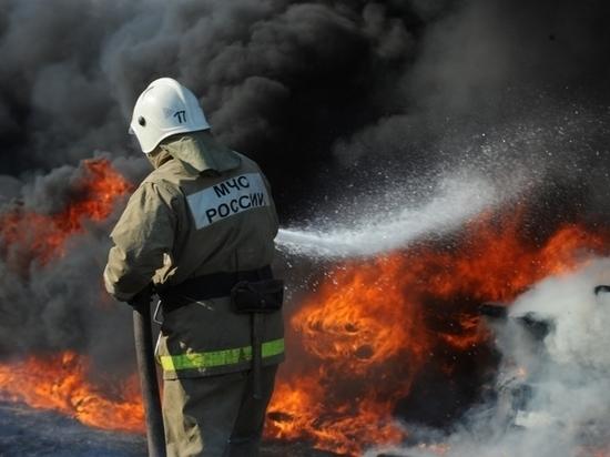 В Комсомольске-на-Амуре спасли семь человек из горящего дома