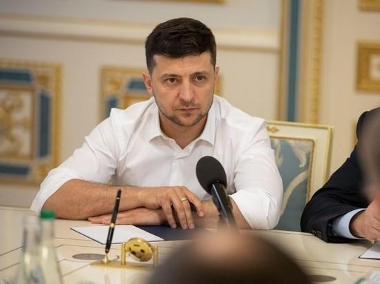 Президента Украины продолжают прессовать со всех сторон