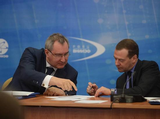 Медведев раскритиковал работу «Роскосмоса»