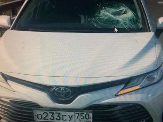 Пассажирке авто пересчитало все зубы отлетевшей деталью на МКАДе