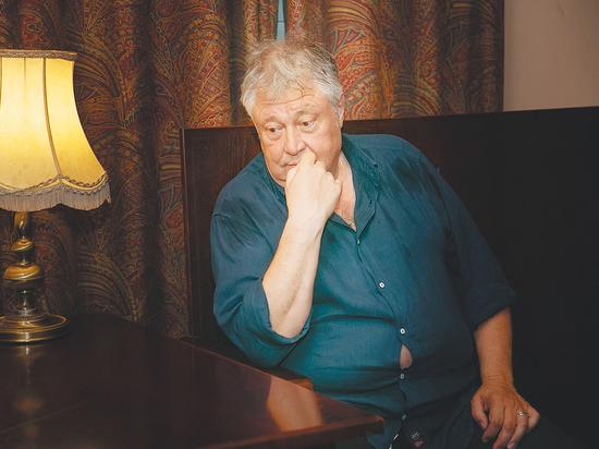 «Несправедливость? Я все говорю со сцены»: жизненные принципы Сергея Степанченко
