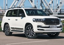 С экс-спикера минусинского горсовета взыскали 3 млн за подозрительную покупку Land Cruiser