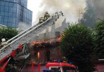 В центре Рязани сгорел нежилой деревянный дом
