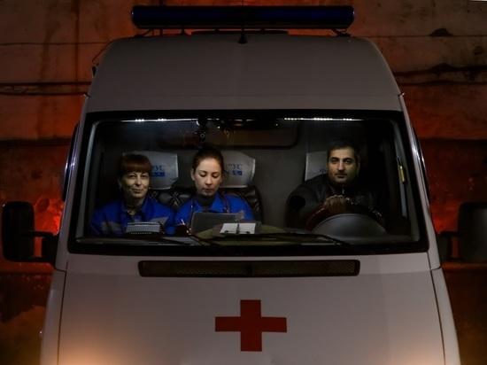 Девушка упала ночью со второго этажа в центре Волгограда