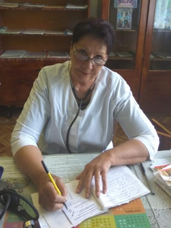 Сельский фельдшер Валентина Михеева получила медаль «За заслуги в труде»