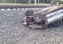 В Ежихе ВАЗ врезался в поезд: один погибший
