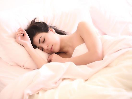 Ученые выяснили, сколько часов нужно спать, чтобы не стареть