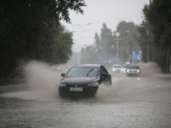 МЧС предупреждает о грозе с градом в Волгограде