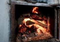В Елани на пожаре в хозпостройке пострадал человек