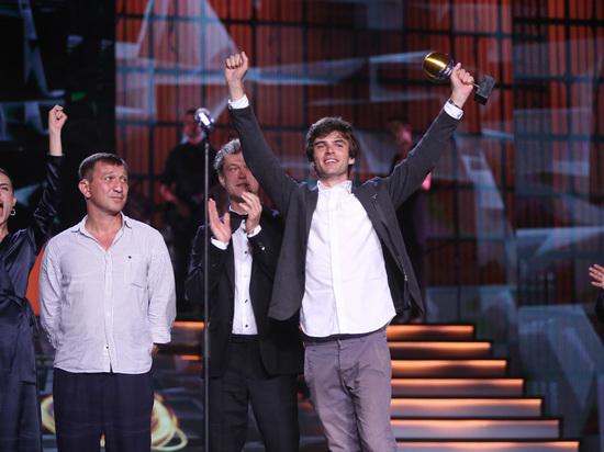 «Бык» Бориса Акопова о лихих 90-х взял главную награду «Кинотавра»