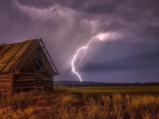 Молния обесточила дома в тульском поселке