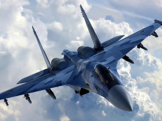 Над Балтийским морем Су-27 перехватили бомбардировщик ВВС США