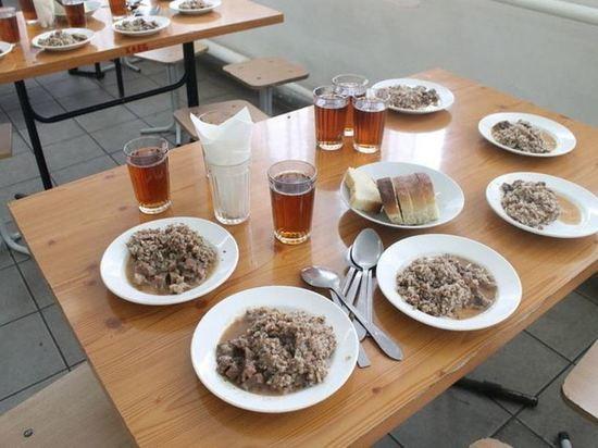 В Ярославле количество школьников, питающихся по льготе, уменьшилось в 12 раз
