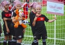 В Саранске стартовал фестиваль «Локобол» среди девочек