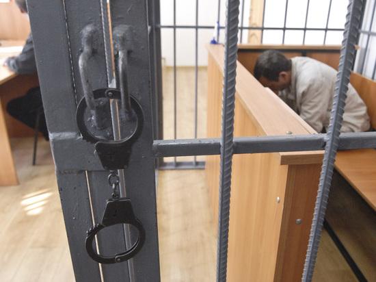 Из российских судов уберут железные клетки для арестантов