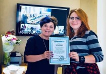 Выпускница псковской Школы межэтнической журналистики получила работу вместе с сертификатом