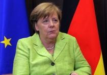 Канцлера Германии Ангелу Меркель начало трясти во время встречи с президентом Украины Владимиром Зеленским в Берлине