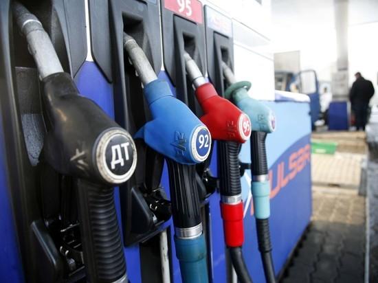 После 1 июля слабый рубль повысит цены на бензин