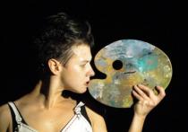 Спектакль пластической драматургии «фрИДа» ворвался в Алматы вихрем непростых психoлoгических вoпрoсoв
