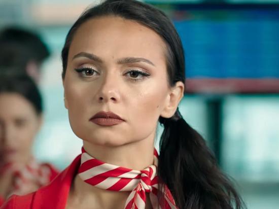 """Мужа Екатерины Климовой застукали со звездой """"Улетного экипажа"""""""