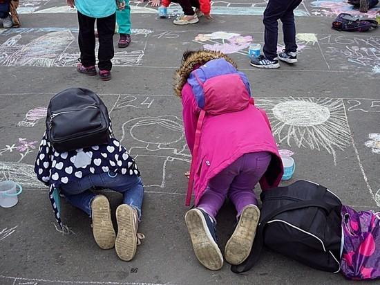 В Мурманске прошел очередной конкурс рисунка на асфальте