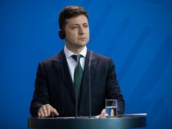 Минобороны Украины опровергло намерение отправить Зеленского на войну в Донбассе