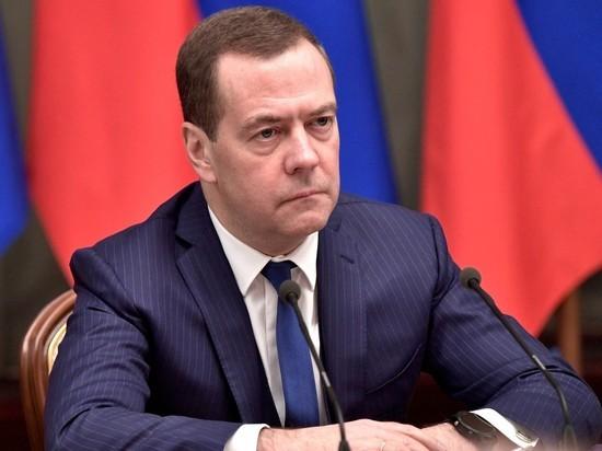 Медведев «распрягся» в адрес Кудрина  из-за слов о бедности