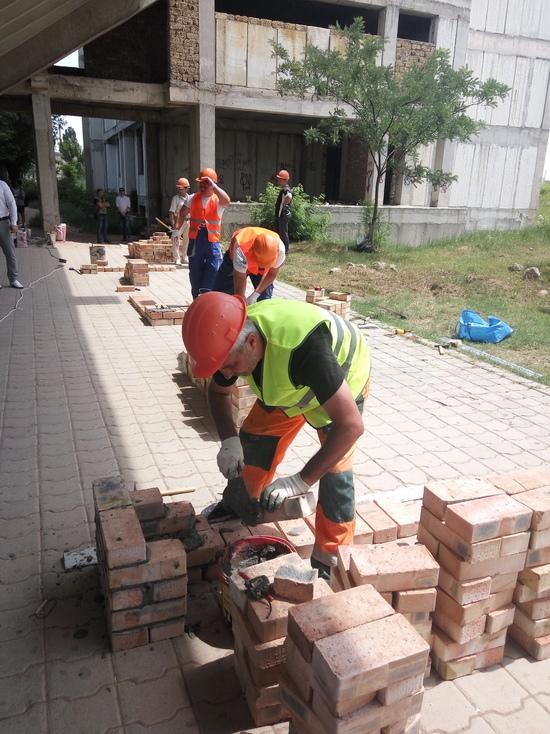 В Симферополе состоялся турнир виртуозных каменщиков