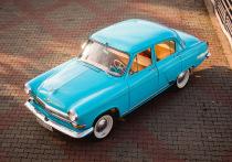 «МК в Красноярске» поговорил с Денисом Теляткиным о том, как ему удалось собрать три раритетные машины и каково сегодня ездить на легендарных авто, которые сейчас считаются лишь приметой прошлого