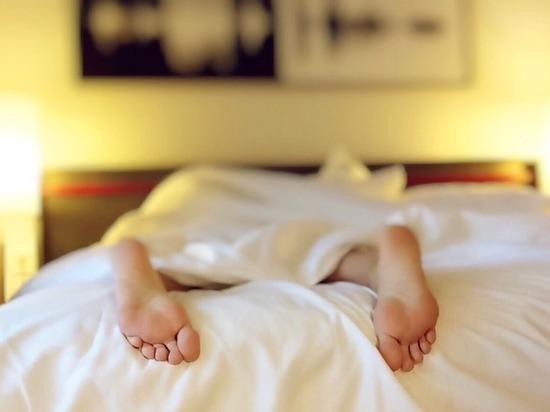 Бессонница: просыпаетесь в одно и то же время – организм просит помощи
