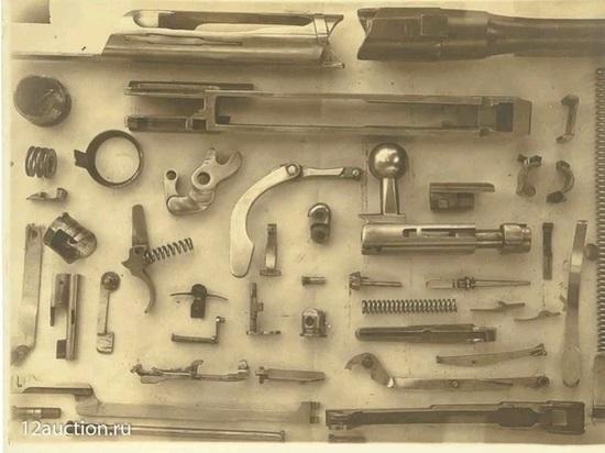 Письма Троцкого, фото из камеры. Вещи Токарева пойдут с аукциона