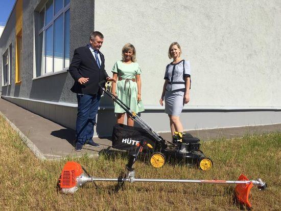 Серпуховская школа № 18 получила новую технику от «УРСА Евразия»