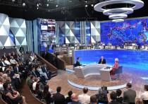 Президент считает закон о неуважении к власти не нуждающимся в корректировке, но просит Генпрокуратуру обратить внимание на «правоприменительную практику» - об этом Путин сказал на прямой линии