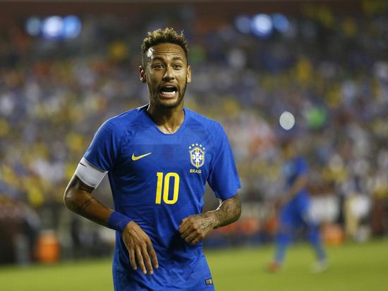 Бразилец Неймар снова стал главной звездой трансферного сериала
