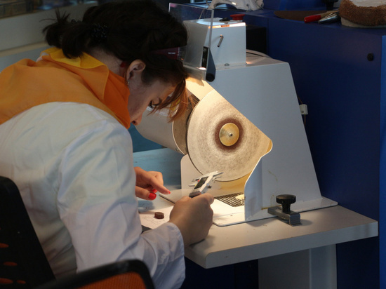В Светлогорске проходит чемпионат по обработке янтаря