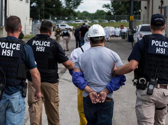 Дональд Трамп: на следующей неделе начнутся массовые депортации