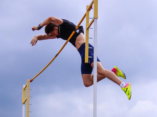 Права имеем: легкоатлеты России выступят в Минске с гимном и флагом