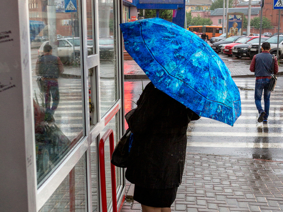 Кемеровчан ждет дождливый понедельник с грозами
