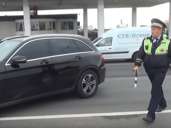 Народные избранники посоветовали отменить штрафы затонировку стекол автомобиля