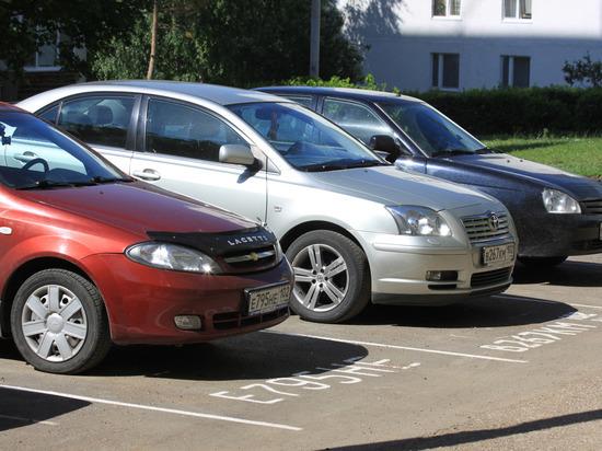 В Башкирии штрафы за парковку на газонах превысила семь млн