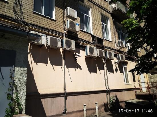 Война жильцов и «приватизаторов» нежилых помещений угрожает уничтожить дом в центре Саратова