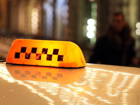 В Москве таксист изнасиловал пассажира и потребовал оплатить бензин
