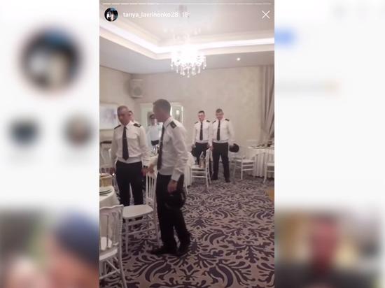 Украинских офицеров затравили за танец под песню Газманова