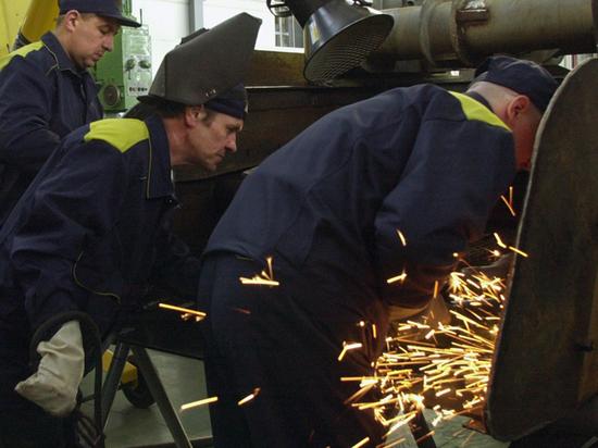 Эксперт объяснил, почему россиян неизбежно ждет сокращение рабочей недели