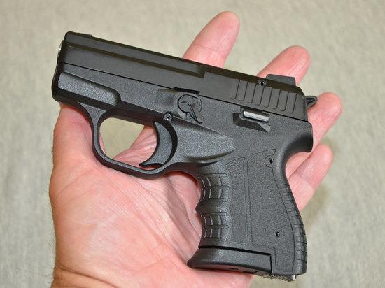 Россияне массово отказываются от огнестрельного оружия: чем заменили пистолеты