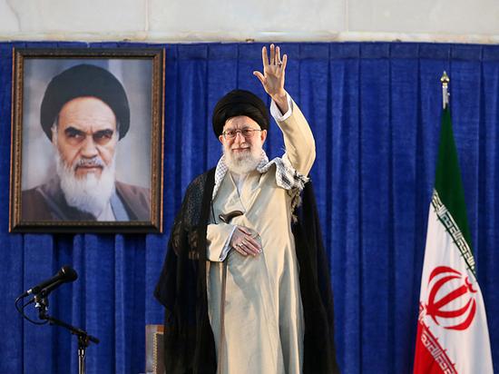 Трамп ввел жесткие санкции против лидера Ирана аятоллы Хаменеи
