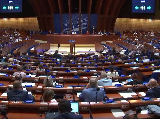 ПАСЕ одобрила поправки регламента, позволяющие вернуть российскую делегацию