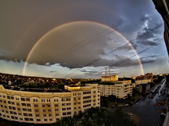 Жители Тверской области засняли внезапную двойную радугу