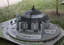 Тульский музей оружия в масштабе 1:50 украсил парк в Царицыно